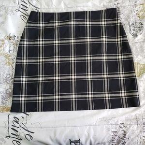 Plaid Ann Taylor Mini Skirt Size 10 Side Zipper